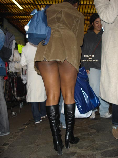 Pic #4 - Dreengirls Shows Her Ass On Oxford Street