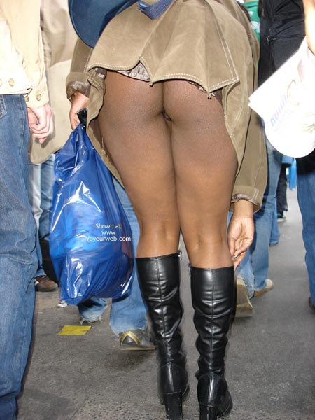 Pic #8 - Dreengirls Shows Her Ass On Oxford Street