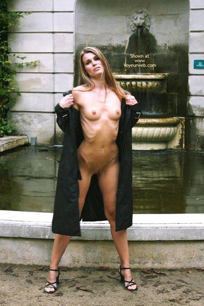 Pic #6 - Elektra Nude In Park