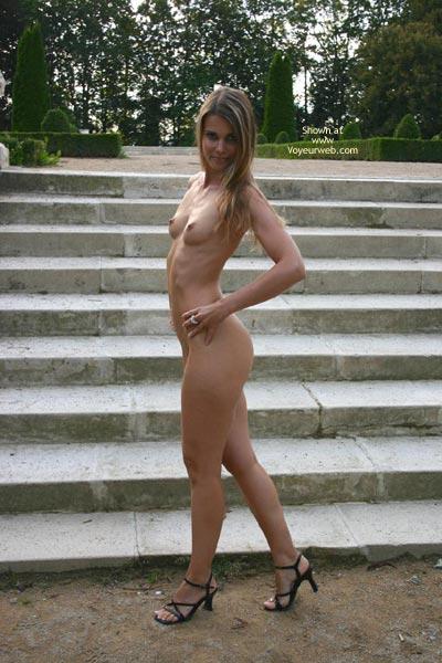 Pic #10 - Elektra Nude In Park