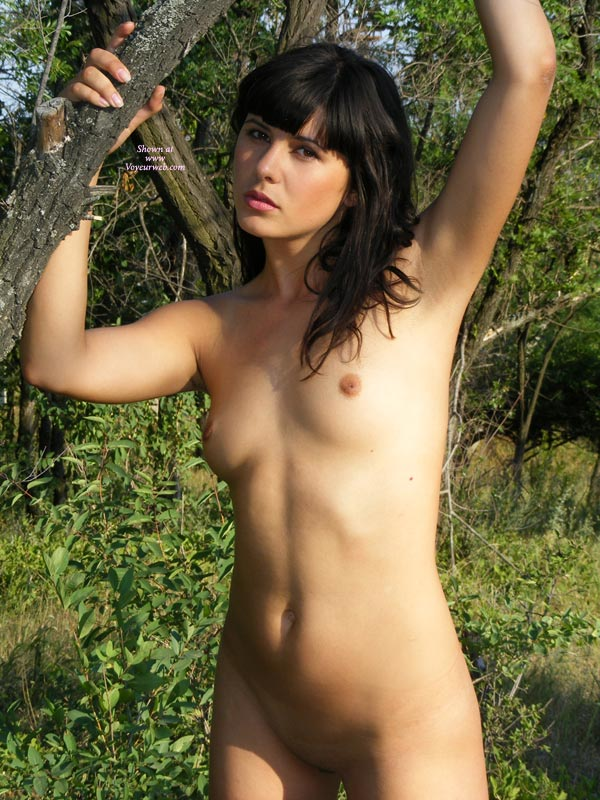 Uae nude girls picture