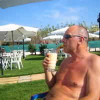 M* Scottish Guy 56 Looking For Vacation Couple