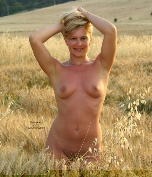 Pic #2 - Elise In A Golded Wheat Field