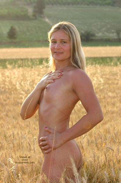 Pic #3 - Elise In A Golded Wheat Field