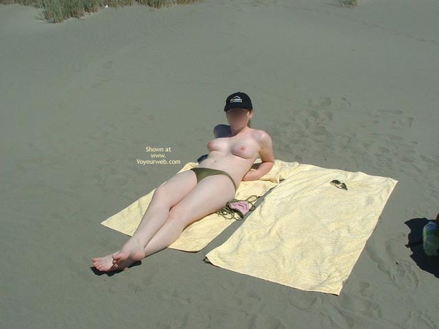 Pic #2 - 19yr Old Nude On Beach