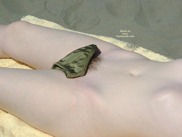 Pic #4 - 19yr Old Nude On Beach