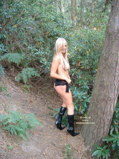 Pic #8 - A Babe In The Woods