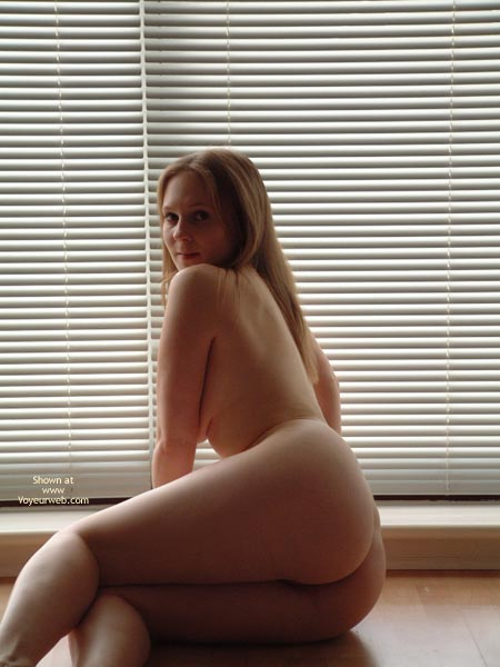Pic #1 - Nude Girl In Front Of Window - Round Ass, Sexy Ass , Nude Girl In Front Of Window, Ass Shot, Round Ass, Sexy  Round Ass