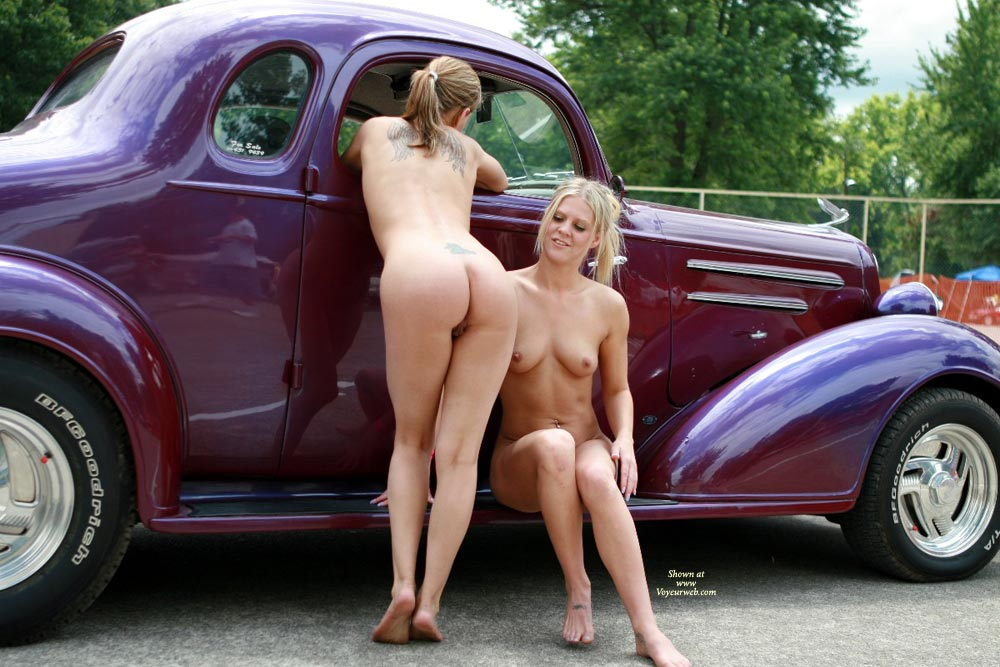 00001741_Two_nude_women_perched_beside_a