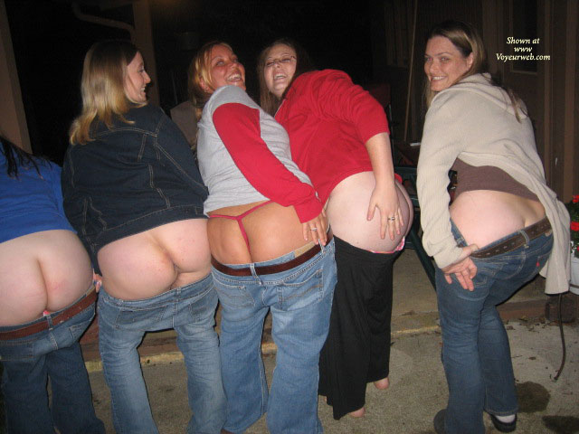 Pic #1 - 5 Local Ladies Mooning The Camera , Five Moons, The Butt Sisters, Mooning The Camera, No Grass Grew Where They Have Been, Ass Flash, Four Girls Showing Ass, Amateur Asses, Mooning Sisters, Group Ass