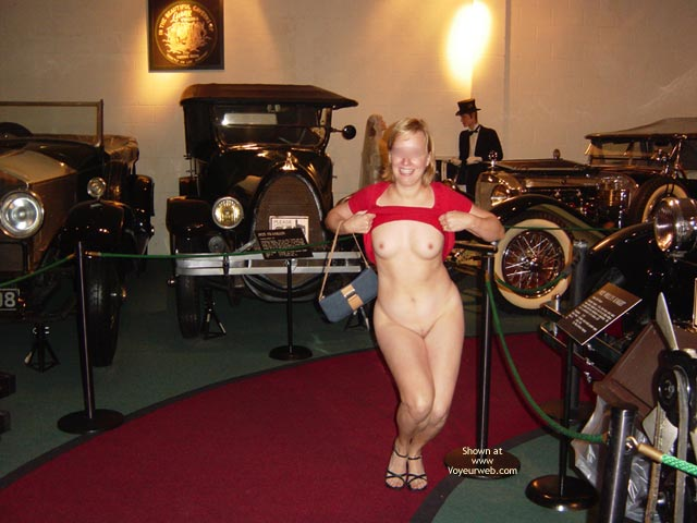 Pic #1 - Flashing At A Museum - Nude Amateur , Flashing At A Museum, Museum Nude, The Pinto Show, Poseing Curvy, Small Areolas