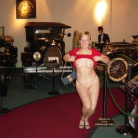 Flashing At A Museum - Nude Amateur