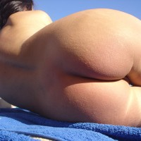 Sexy Beach Ass - Round Ass, Naked Girl, Nude Amateur, Sexy Ass