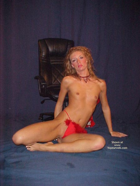 Pic #7 - Jenna Red Hot Poses