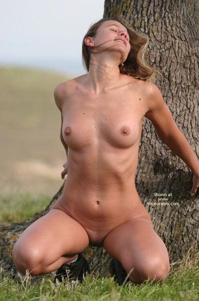 Cool Chicks Nude