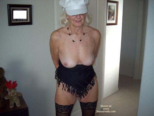 Pic #1 - Mature Sexy Lady