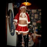 Bi Horny Says Merryxxxmass To You All