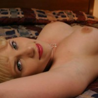 Bedroom Eyes - Nude Amateur