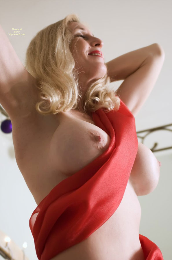 Pic #1 - Sexy Boobs And Sexy Armpits - Blonde Hair, Huge Tits, Large Breasts, Long Hair, Pale Skin, Sexy Boobs , Pale Skin, Full Breasted Blonde, Blonde And Busty, Hands Behind Head, Beautiful Boobs, Blond Standing, Arms Raised