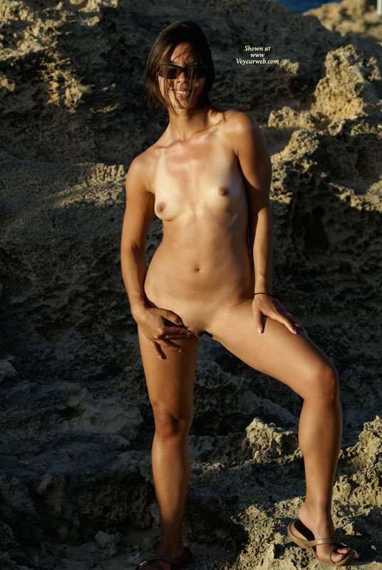asian nude Tanned girl