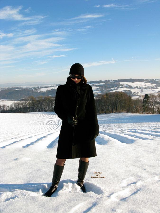 Pic #1 Nude Wife on heels:Jona In The Snow