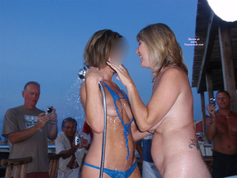 Pic #2 Topless : Naked And Wild At The Bar