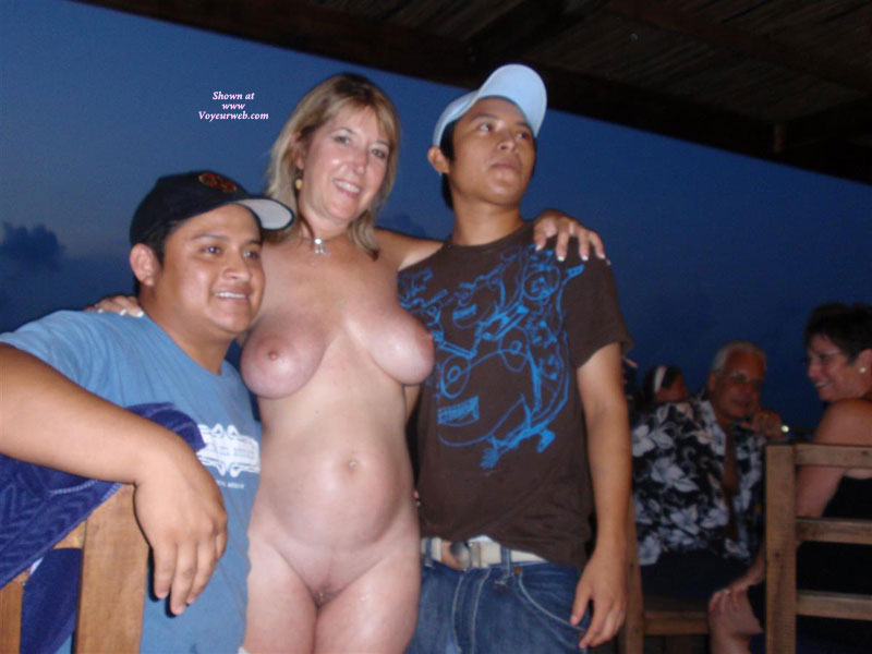 Pic #5 - Topless : Naked And Wild At The Bar