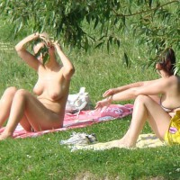 Topless :Two Girls 2