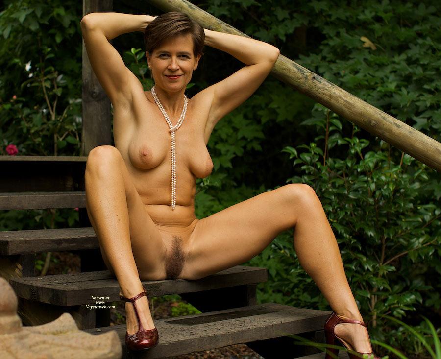 mature nudes australien