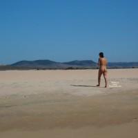 Beach Voyeur:Girl On Beach