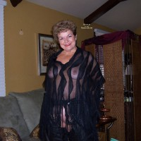 Amateur in Lingerie: Mary's New Leathers
