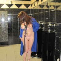 Nude Amateur:*ME Mardi Gras Men's Room Flash