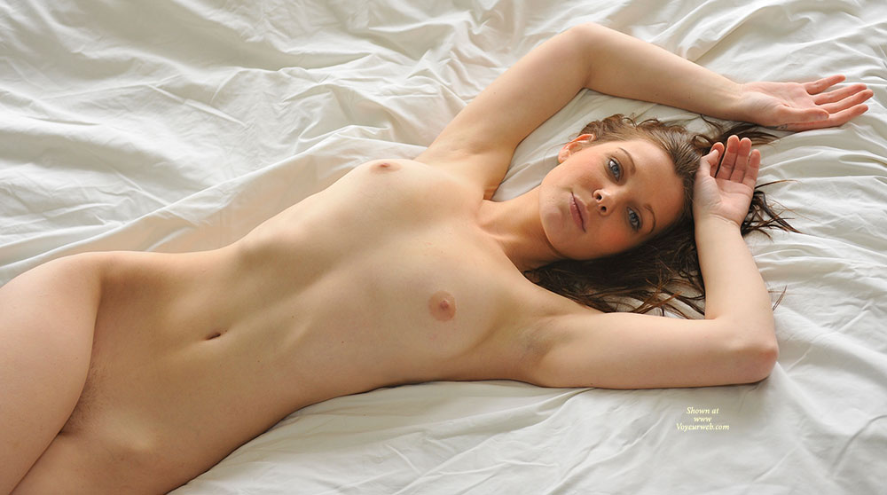 Sexy girls in bed naked