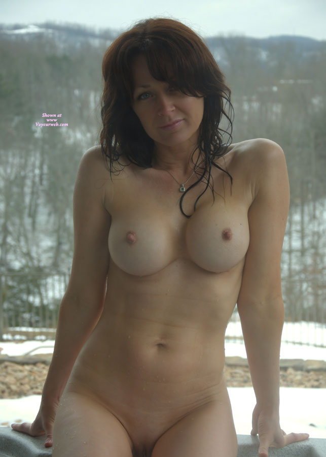 nude Hot tub women