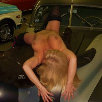 Topless Wife:Race Cars and Hot Lady
