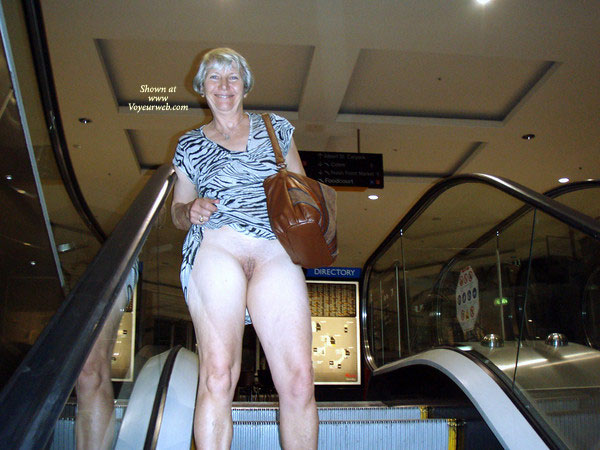 Pic #7 Topless Wife: At The Mall