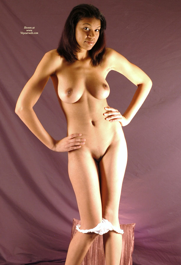 shaved-black-nude-girls