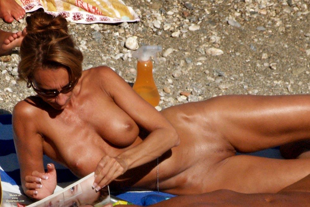 Beach Voyuer
