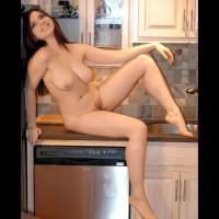 Nude Friend:Nicki