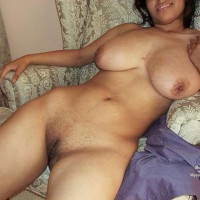 Nude Amateur:Wife Posing At New Home