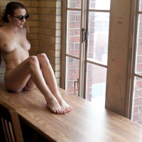 Nude Girl With Sunglasses - Hot Girl, Naked Girl