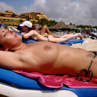 Beach Voyeur:Dominican Vacation