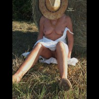Nude Amateur:Freckles..Warmer Days