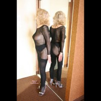 Nude Wife on heels: Darling Is Back For Her Admirers