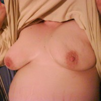 Topless Wife:Laying Around