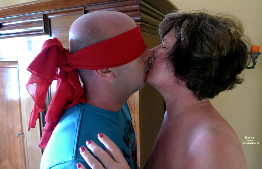 kiss me stranger