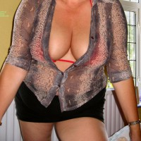Topless Wife:First Time