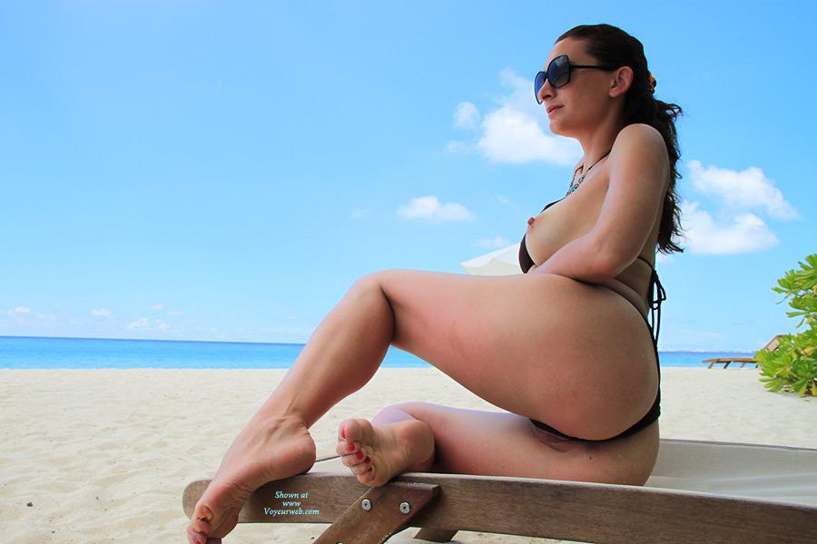 Pic #4 Nude Me:Beach Delight