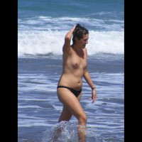 Beach Voyeur:Topless Young Cutie With Small Breasts