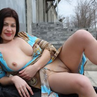 Nude Girlfriend on heels:Viko
